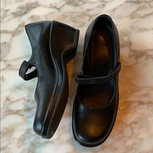 Dansko Mary Jane black